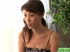 Sexy Asian milf likes it harsh