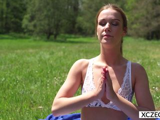 erotic yoga with alexis crystal - xczech.com film