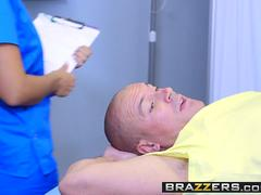 Brazzers - Doctor Adventures - Kelsi Monroe and Sean Lawless -  Dick Reduction