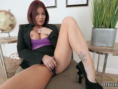 Young mom masturbating and step squirt Ryder got pummeled by her stepplaymates son right