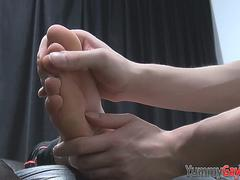 Feet worshipped stud cums