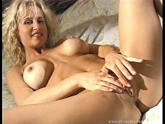 Southern Belle Housewife Masturbates