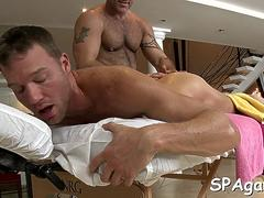 hot massage for gay dude feature