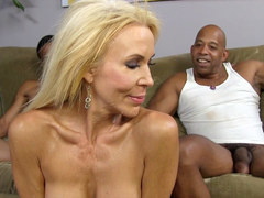 Busty MILF Erica Lauren Squirts on Huge Black Cock